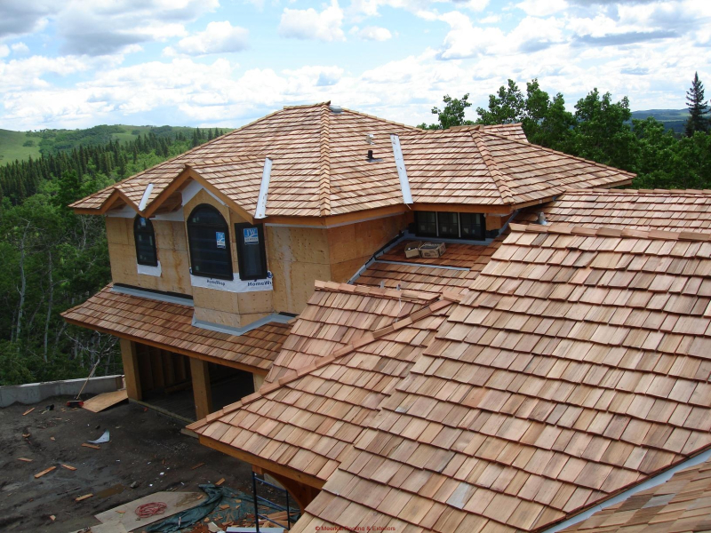 Cedar_shake_shingles_roofing_wood_shingles